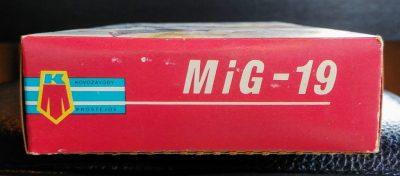 mockupKP1/72MiG19